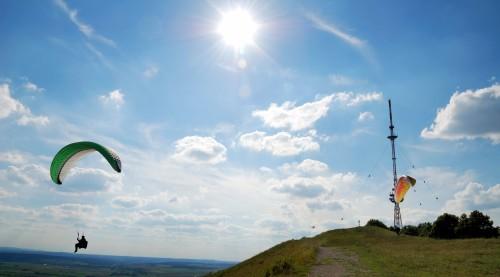 photodune-1116001-paraglider-l